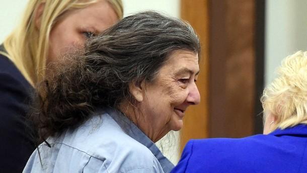 Frau sitzt 35 Jahre zu Unrecht im Gefängnis