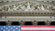 Zum Wohle der Nation und ihres Wohlstands: Eingangsportal der Börse in New York