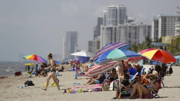 Florida zählt erstmals mehr als 10.000 Corona-Fälle an einem Tag