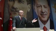 Der türkische Staatschef Erdogan hat am Freitag in Ankara eine Erklärung zum Abzug von Soldaten aus dem Nato-Manöver in Norwegen abgegeben.