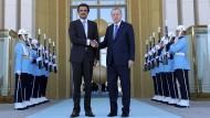 Der türkische Präsident Recep Tayyip Erdogan und der qatarische Emir Scheich Tamim bin Hamad Al Thani bei ihrem Treffen in Ankara.