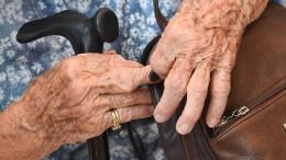 103-jährige Frau verjagt Trickdiebe