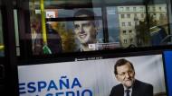 Die Herausforderer im Rücken. Wahlwerbung für Ministerpräsident Mariano Rajoy.
