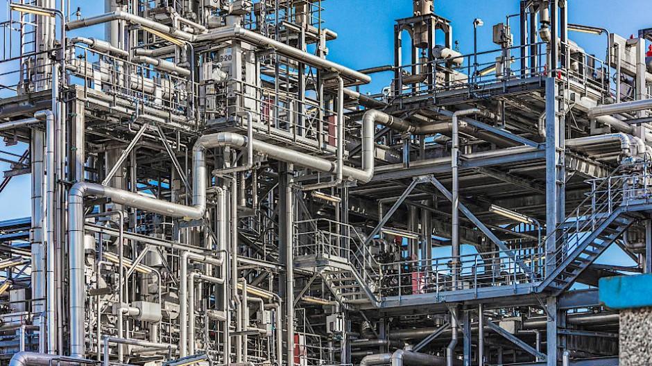 Produktionsanlagen der Raffinerie Heide