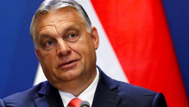 Warum Orbán auf Biden herumhackt