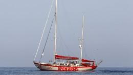 Rettungsschiff darf in italienische Gewässer