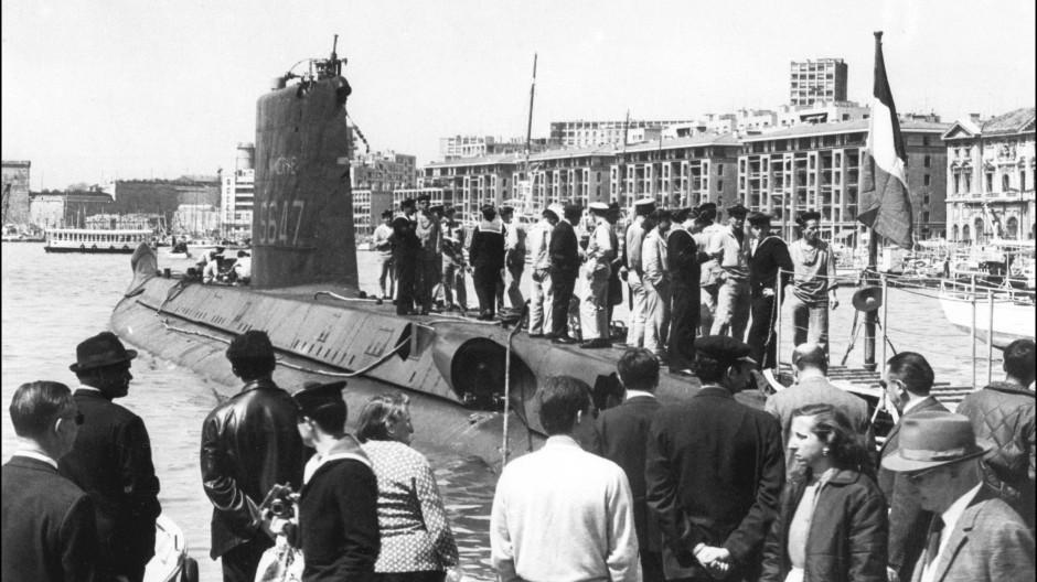 """Die """"Minerve"""" in den 60er Jahren im Hafen von Marseille."""