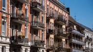 Mehrfamilienhäuser in Hamburg: Die Mieten für Bestandswohnungen werden in diesem Jahr voraussichtlich um 2,5 Prozent bis 3 Prozent steigen.