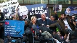 """Wagenknecht nennt Vorgehen gegen Assange """"eine Schande"""""""