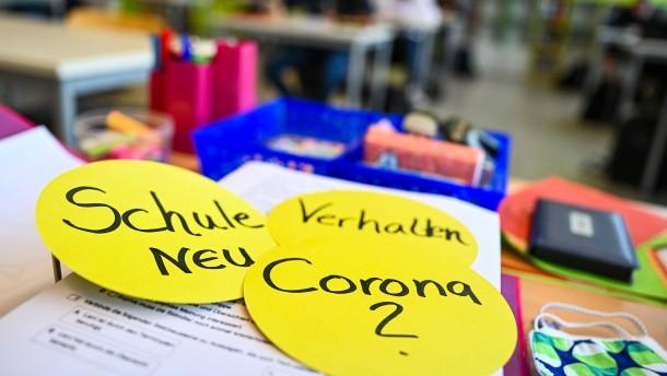 Lehrer und Eltern besorgt über neues Schuljahr