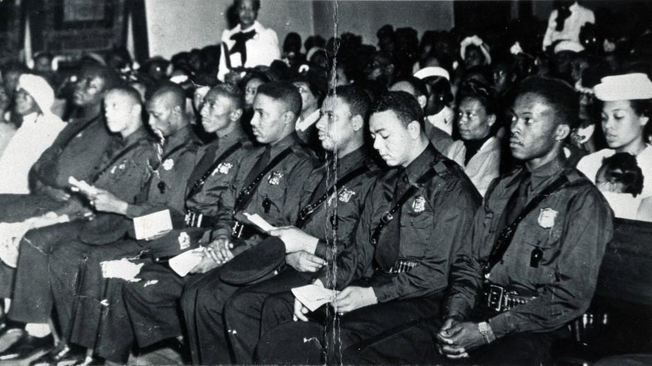 Die erste Einheit farbiger Polizisten stellte das Atlanta Police Department im Jahr 1948 ein.