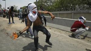 Demonstranten wollen sich nicht einschüchtern lassen