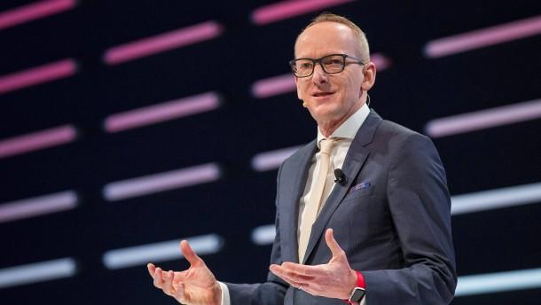 Neues Abenteuer für einstigen Opel-Chef Neumann