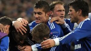 Schalke wahrt seine Chancen