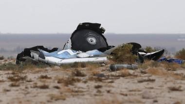 """Wrackteile des abgestürzten """"SpaceShipTwo"""" von Virgin Galactic in der kalifornischen Wüste"""