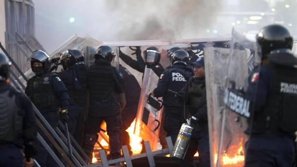 Nieto als mexikanischer Präsident vereidigt
