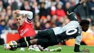 Wenn der Torjäger in den Zweikampf geht, kann es weh tun: Emanuel Adebayor