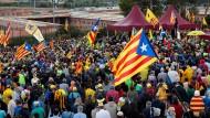 Für ihre Freilassung: Katalanen demonstrieren vor dem Gefängnis von Lledoners, in dem führende Separatisten sitzen.