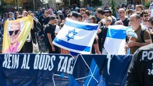 Ein Marsch der Verschwörer