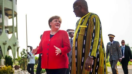 Merkel verspricht Hilfe für Westafrika