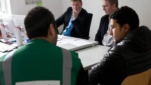 Weniger Flüchtlinge verlassen Deutschland freiwillig