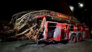 Als die Türme einstürzten: Ein zerstörter Feuerwertruck. Mehr als 340 Feuerwehrleute kamen beim Einsatz am 11. September ums Leben