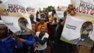 Zehntausende in Zimbabwe fordern Rücktritt von Präsident Mugabe