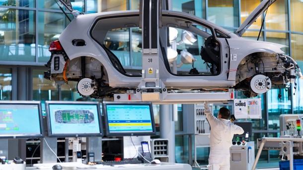 Autoverband fordert zweistelligen Milliardenbetrag