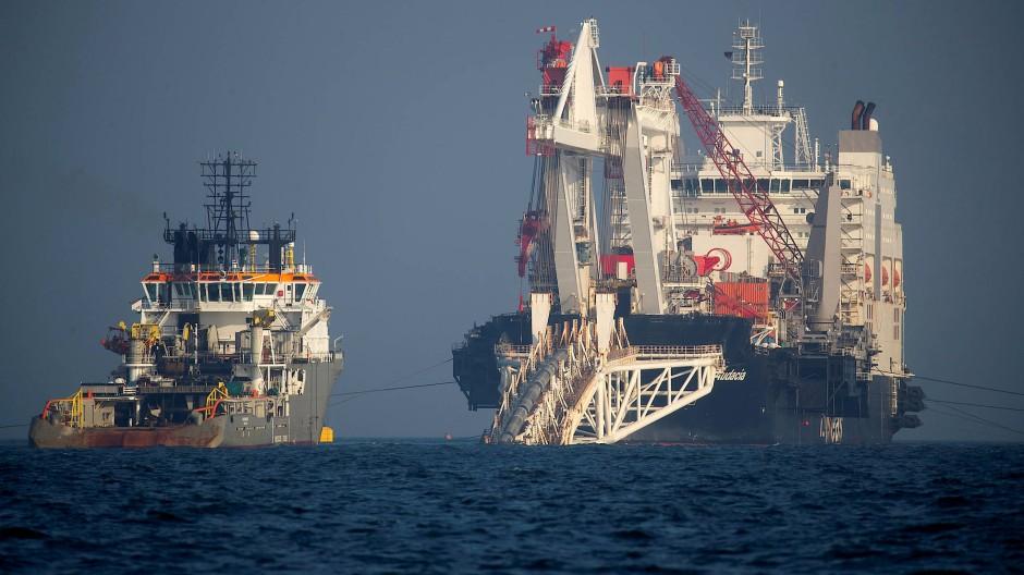 Nahe Rügen werden die Rohre für Nord Stream 2 verlegt