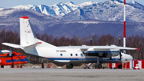 Wrack von verschwundenem Passagierflugzeug in Russland gefunden