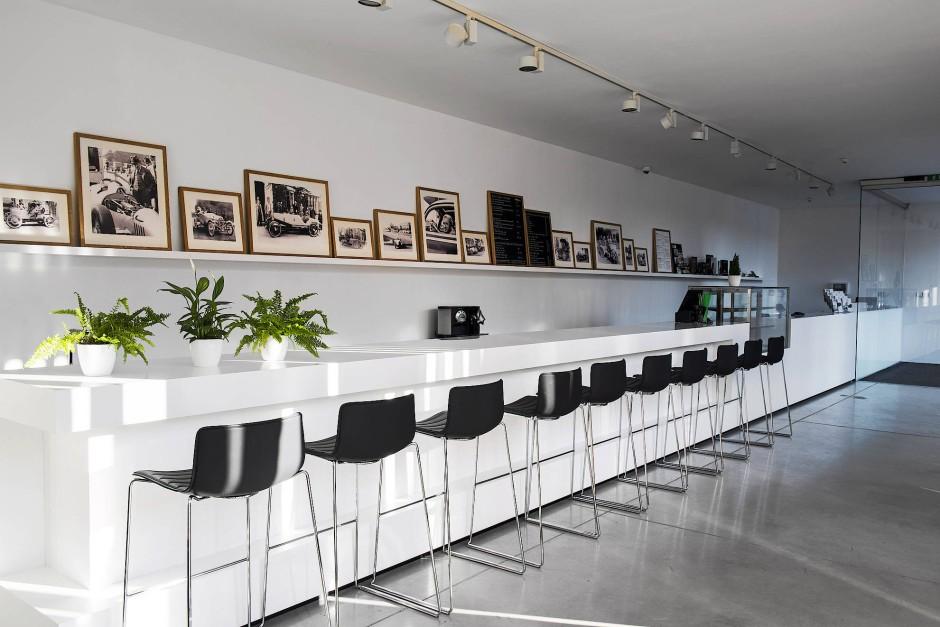 Im ehemaligen Wohnhaus der Familie Porsche gibt es neben einem Museum heute auch eine Gastronomie.