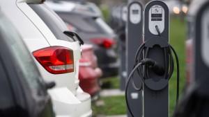 Verbände fordern künstliches Warngeräusch bei E-Autos