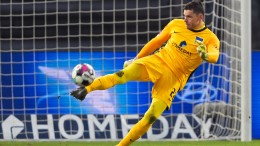 Hertha-BSC-Torwart musste wegen Corona ins Krankenhaus
