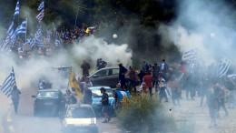 Proteste in Mazedonien und Griechenland