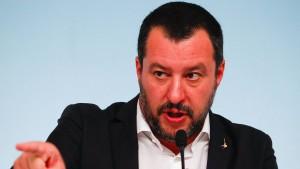 """Salvini: """"Ich habe noch nichts unterschrieben"""""""