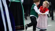 Mini-Folklore: Was bleibt vom identitätsstiftenden Drei-Tage-Fest?