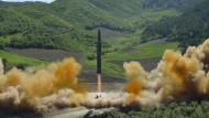 Die Volksrepublik Nordkorea hat die Interkontinentalrakete vom Typ Hwasong-14 im Juli zweimal erfolgreich getestet.