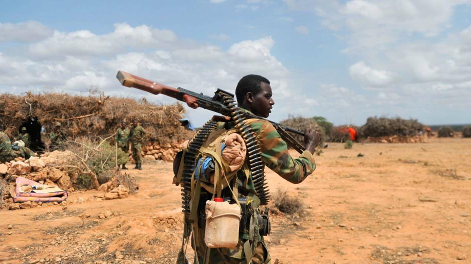 """Befreier oder Besatzer? Ein äthiopischer Soldat der """"Mission der Afrikanischen Union in Somalia"""" (AMISOM)."""