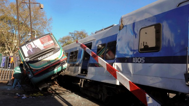 Collision between a bus and two trains in Buenos Aires.