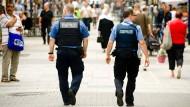 Auf Streife: Zusätzliche Stadtpolizisten in der Offenbacher Fußgängerzone