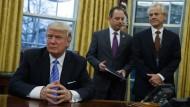 Seine währungspolitischen Vorstellungen hat Donald Trump bisher noch nicht konkretisiert. Doch bei seinen Äußerungen muss man aufhorchen.