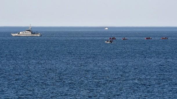 Sieben Leichen an der Küste entdeckt
