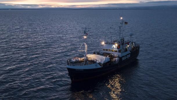Rettungsschiffe harren seit fünf Tagen auf See aus