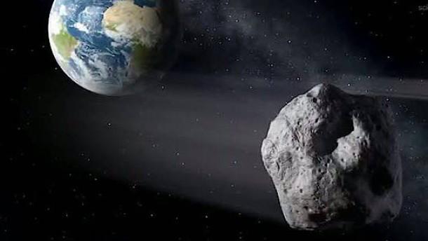Asteroid soll dicht an Erde vorbeirasen