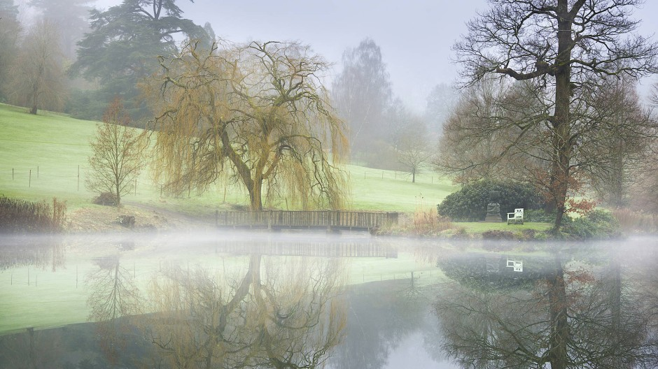 Magische Szenerie: Nebel steht über dem See und dem idyllischen Park des Landgutes Chartwell, das der ehemalige Besitzer Winston Churchill nach seinen Vorstellungen gestaltete.