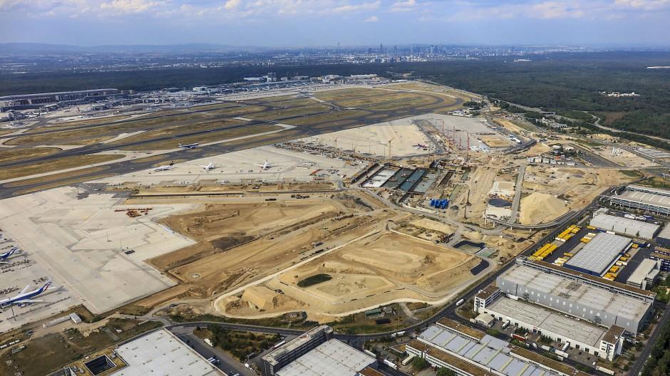 Das Terminal 3 am Frankfurter Flughafen soll bis Herbst 2023 fertiggestellt sein.