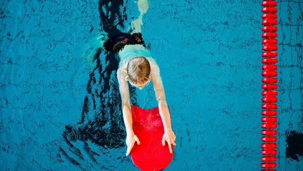 Schwimmen wird zum Luxussport