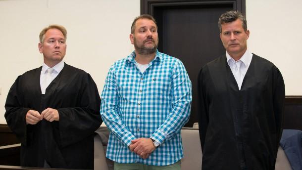 Staatsanwalt fordert lebenslange Haftstrafen