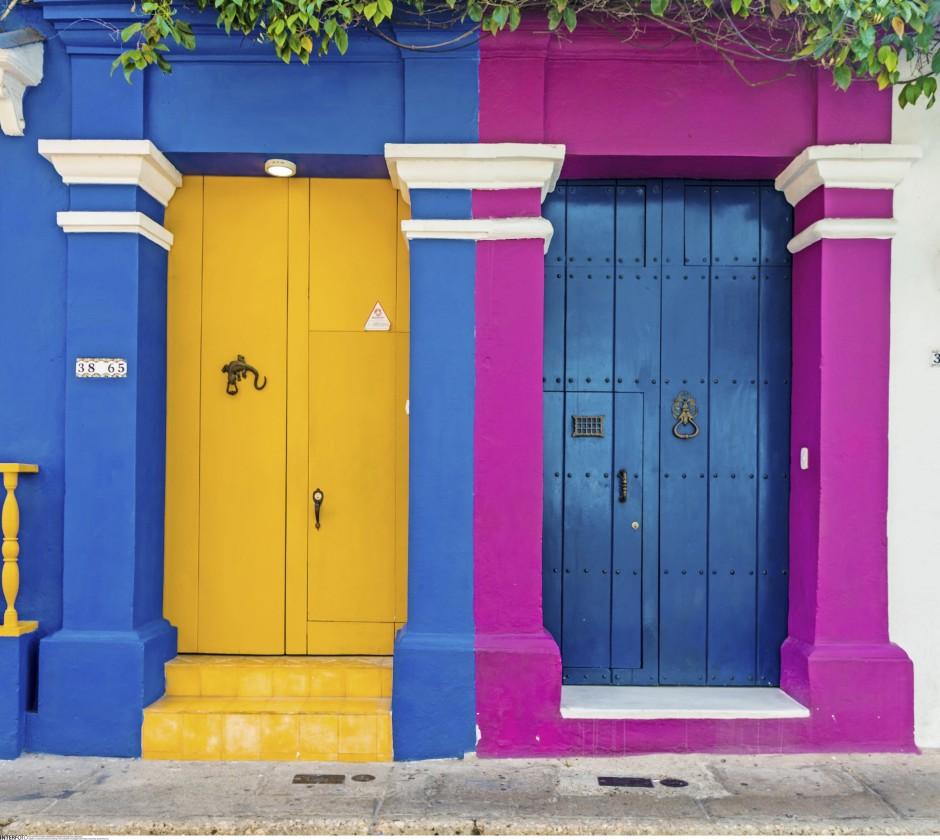 Bloß kein Schwarzweiß: In Cartagena scheint jeder Hausbesitzer eine Menge Farbtöpfe zu besitzen.
