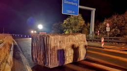 23 Tonnen schwerer Granitblock rutscht über Autobahn